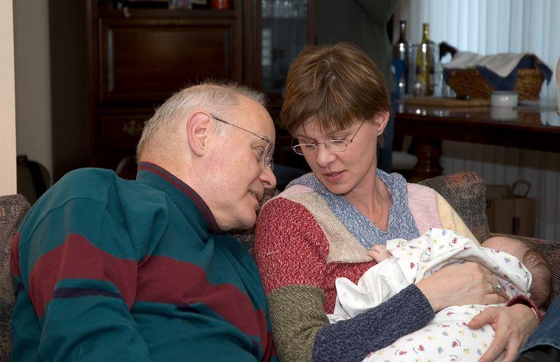 Dr. Larry looks at Noah   (Nov 26, 2004, 03:21pm)