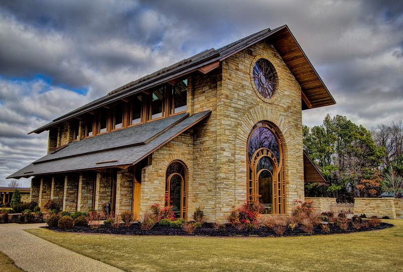 Hunt Chapel at Pinnacle Memorial Gardens - Rogers, AR