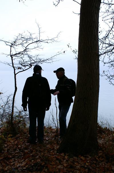 Denne våde, grå og usigtbare novemberdag skete der det, vi ikke havde forestillet os: Vi gik vild i skoven og måtte søge retur til kysten for at få orienteringen.