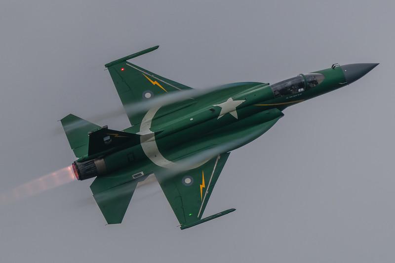 RADOM-PakAF-JF17-Vapor-kedark_D854120.jpg