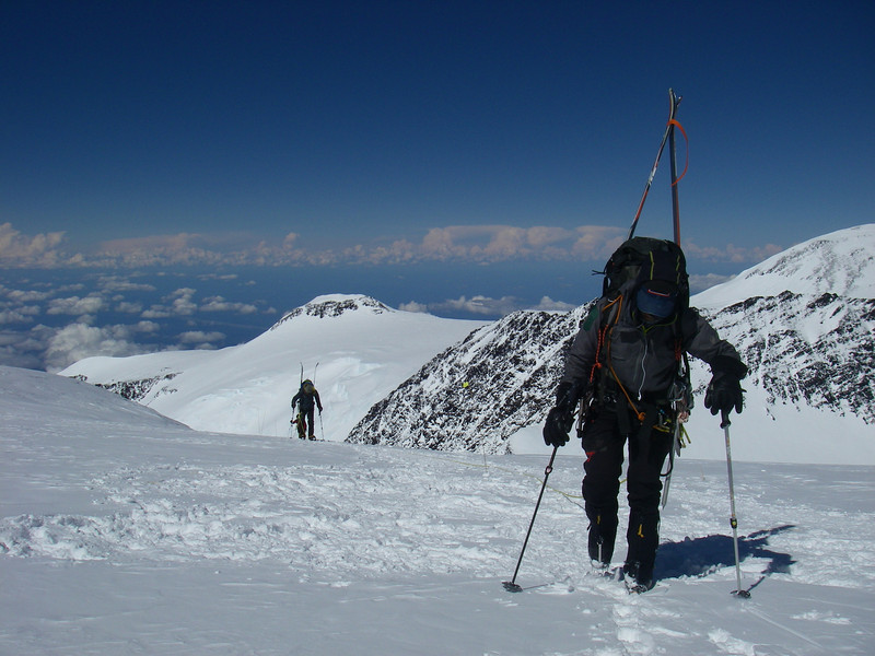 Approaching Pig Hill above 6.000m.