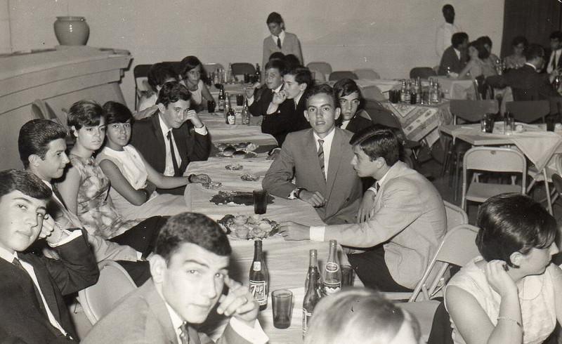 Dundo - AGOSTO 1966 Cajo Figueiredo Antunes, o Carlos Gigante, Manel Fernando Pinho Barros, Carmen, Vanda Lourenco, Luis Duarte, Luisa Madureira . Do lado direito: a Isaura, Ze' Manel P. B., Bilocas, Carlos Pinto, Salgueiros