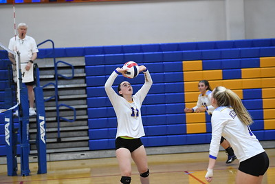 Girls Varsity Volleyball – 2018