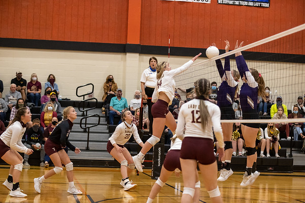 Thorndale v Shiner Volleyball 2020