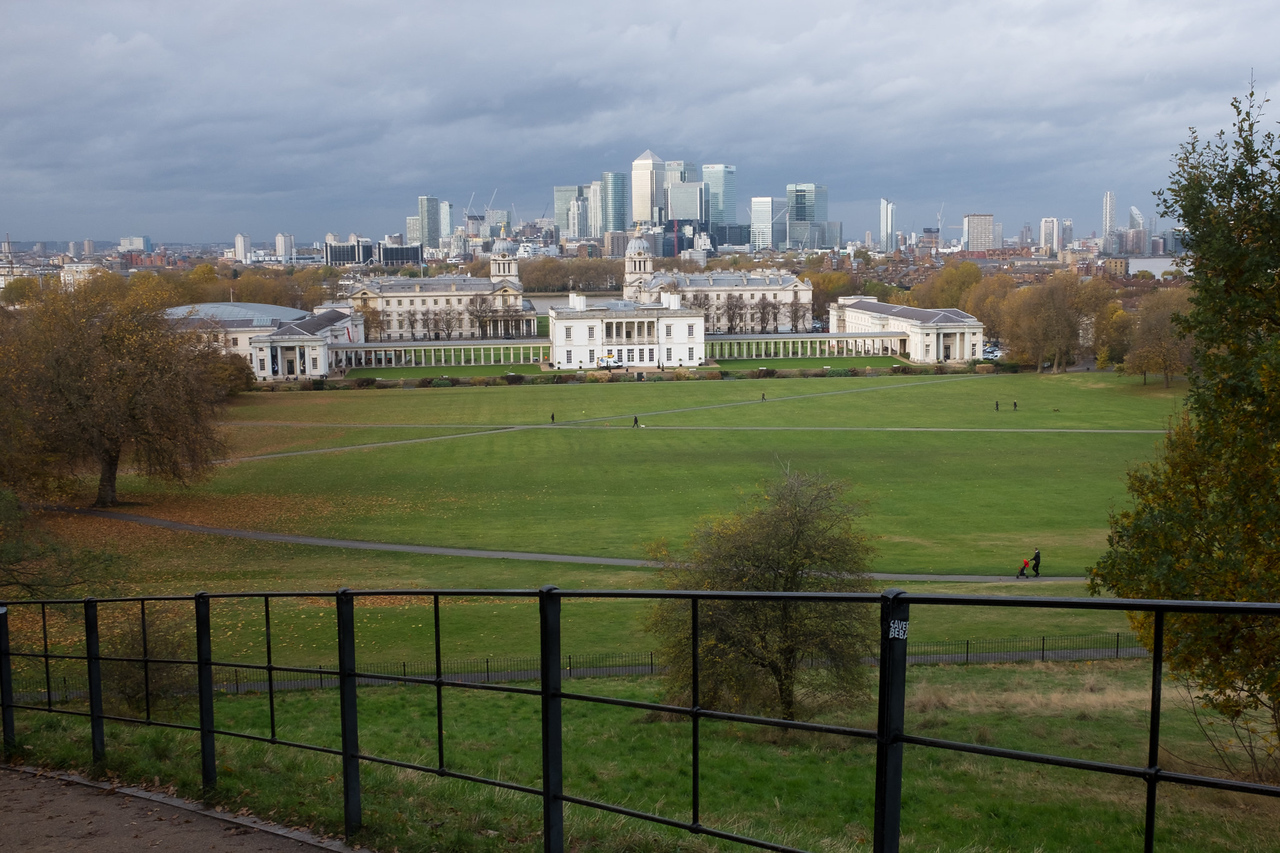 Exploring London, and Canary Wharf from Greenwich Park