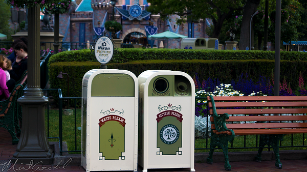Disneyland Resort, Disneyland, Main Street USA, Trash, Can, Liquid