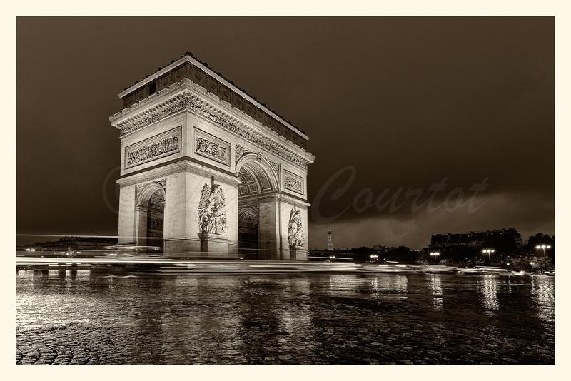 Arc de Triomphe_20131116_0087-88 B&W.jpg