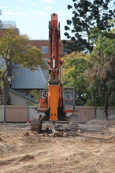 Kangaroo Point Tafe- High Reach Demolition n methodologies. Brisbane Australia 2009.