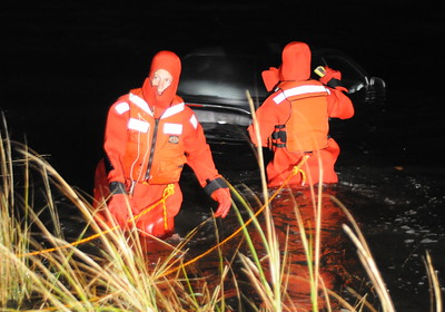11/7/2009 Stolen Car Chase in Golden Beach Ends in the Water