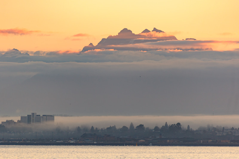 Sunset colors of the cascade Mountains and Puget sound