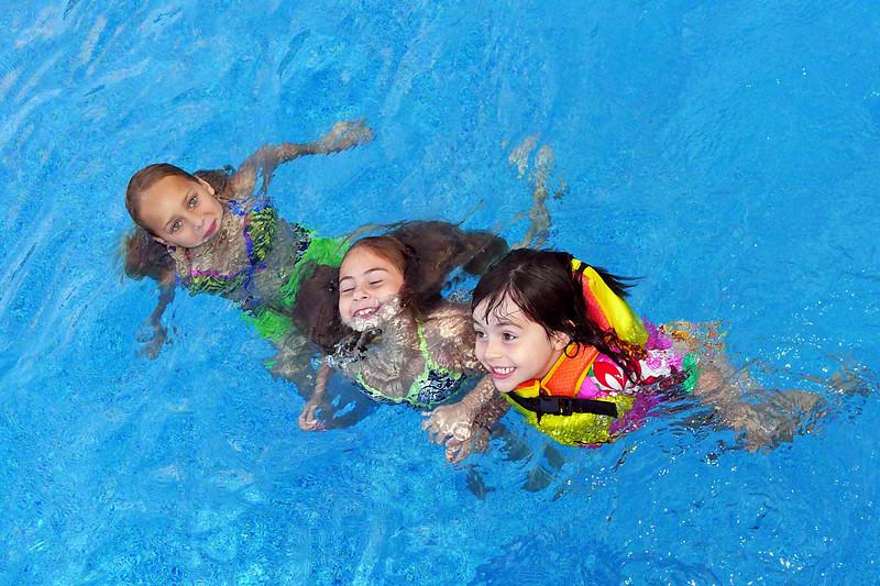 Brianne, Caitlin & Amelia © Shawna Seto 2012