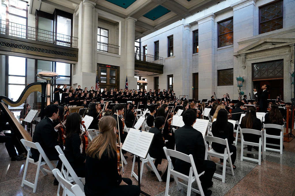 . Cleveland Orchestra Youth Orchestra and Cleveland Orchestra Youth Chorus conducted by Music Director Vinay Parameswaran at the Ohio Statehouse. (Roger Mastroianni, courtesy of The Cleveland Orchestra)