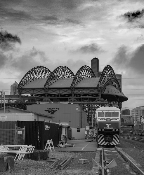 Light Rail at SoDo with Safeco field in the background