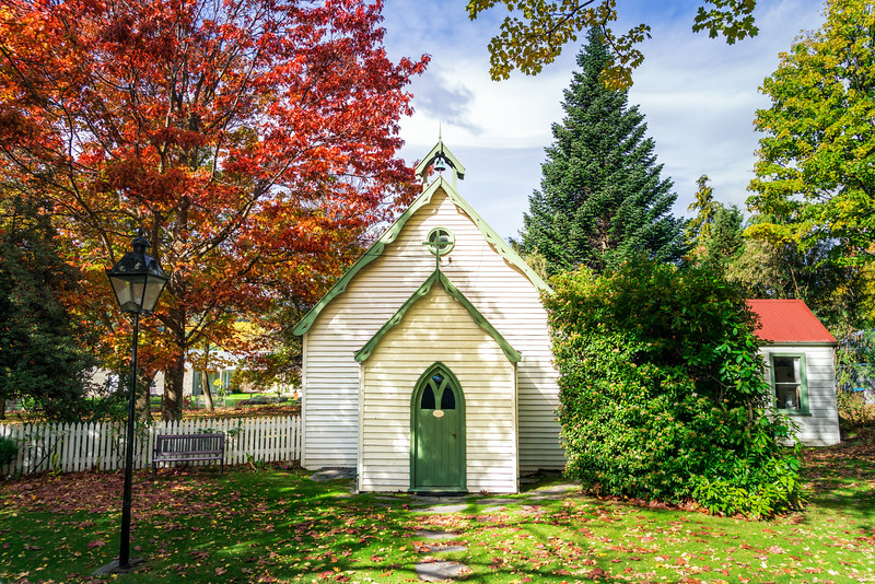 arrowtown-small-church-autumn-new-zealand.jpg