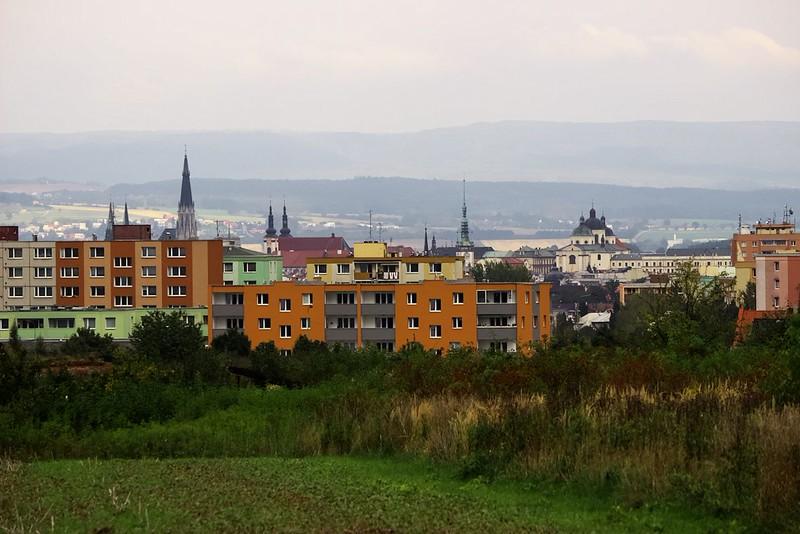 Olomoucké historické panoráma, zatím ještě nezkažené výškovými budovami...
