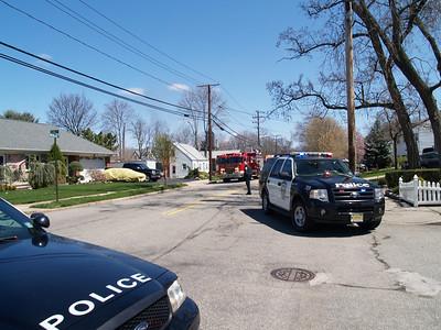 04-12-09 Bergenfield, NJ - Working Garage Fire
