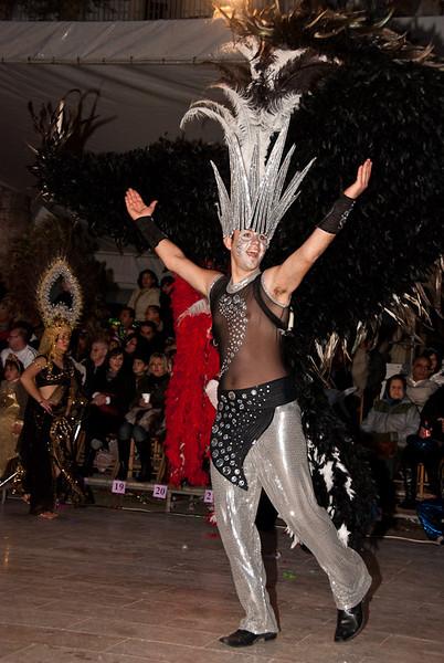 Sunday Carnival09-200-2.jpg