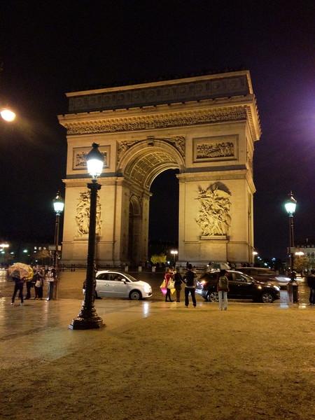2012-04-09-0033-Debby and Elaine in Paris for Elaine's Winter Break-Arc de Triomphe.jpg