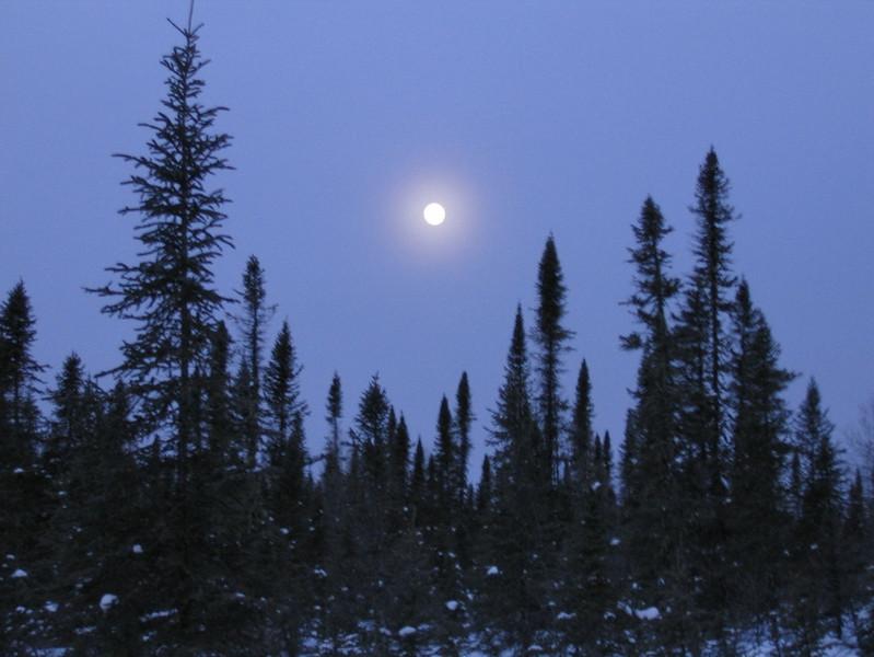 IMG_2727_sunrise_fort_hope_winter_road_resize.JPG