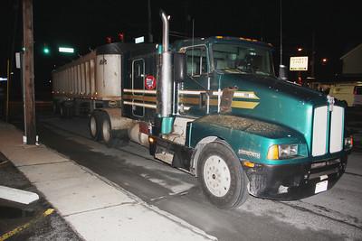 Broken Down Tractor Trailer Blocks Cedar Street, Tamaqua (3-26-2013)