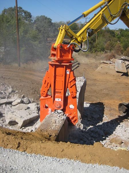 NPK M38G concrete pulverizer on Komatsu excavator-concrete recycling (6).jpg