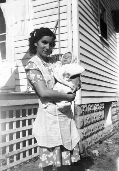 Aunt Julia and 3 week old Edwin.JPG