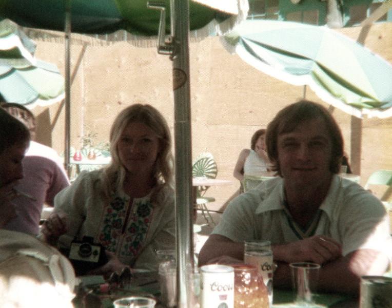 121183-ALB-1977-2-158.jpg