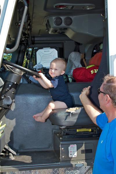 Kids Workshop at Home Depot - 2010-10-02 - IMG# 10-005295.jpg