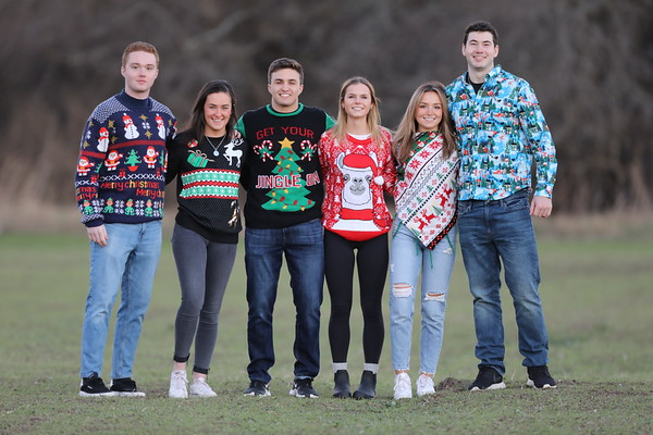 Peck &Co. (Christmas sweaters in the wild)