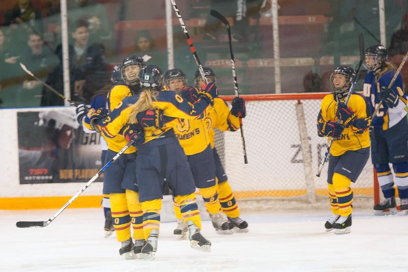 20130310 QWHockeyvsUBC 581.jpg