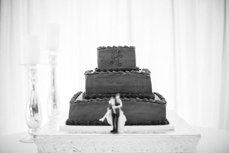 0816_Josh+Lindsey_WeddingBW.jpg