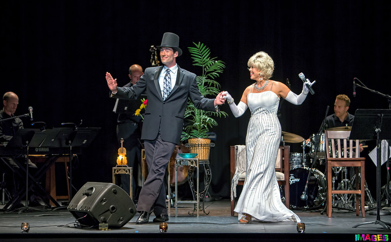 Kristi King performing her Doris Day Tribute show