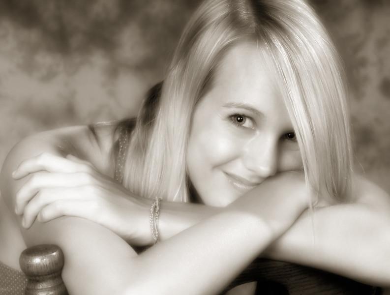 042c Shanna McCoy Senior Shoot - Studio (nik softfocus glamorglow) crop phototone.jpg