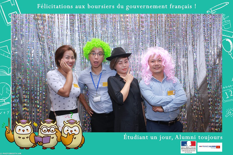France-Alumni-Vietnam-photobooth-at-Franch-Embassy-Vietnam-photobooth-hanoi-in-hinh-lay-ngay-Su-kien-Lanh-su-quan-Phap-WefieBox-photobooth-vietnam-033.jpg