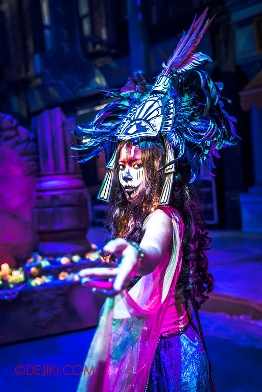 Halloween Horror Nights 6 Final Weekend - March of the Dead / Enchantress R V