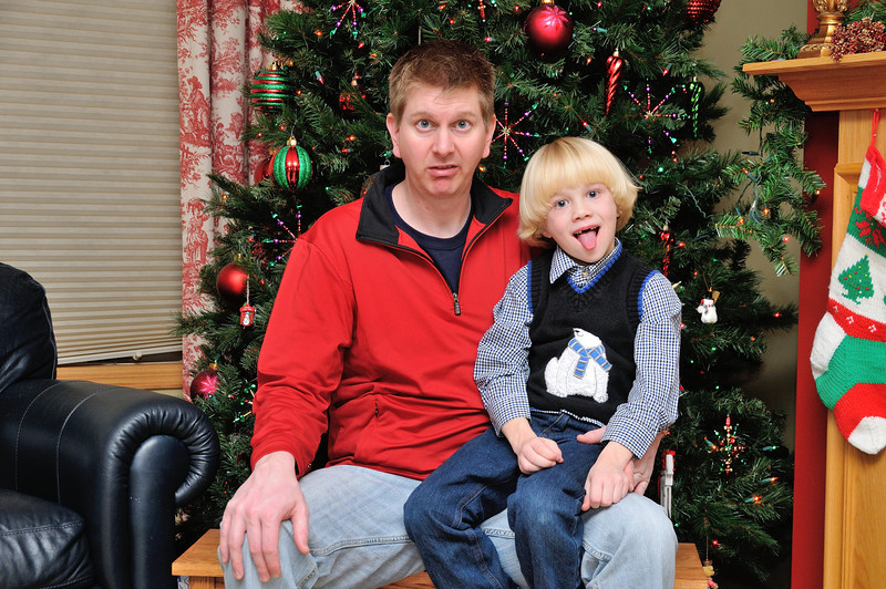 2012-12-26 Christmas Family Photos with Oliver 011.jpg