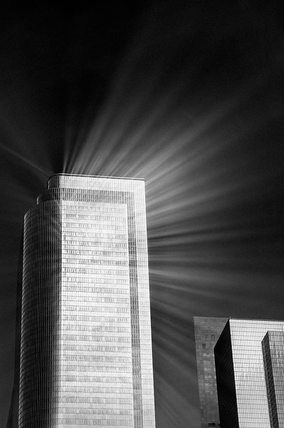 LIGHT_RAYS_BUILDING_DOWNTOWN_LOS_ANGELES.jpg