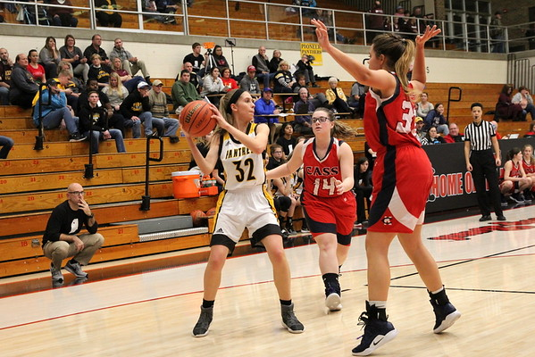 Pioneer vs Lewis Cass  Cass County Tourney 12/18/2018