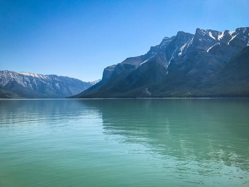 Lake_Minnewanka-3.jpg