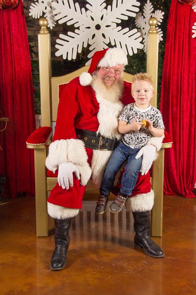 Santa 12-16-17-249.jpg