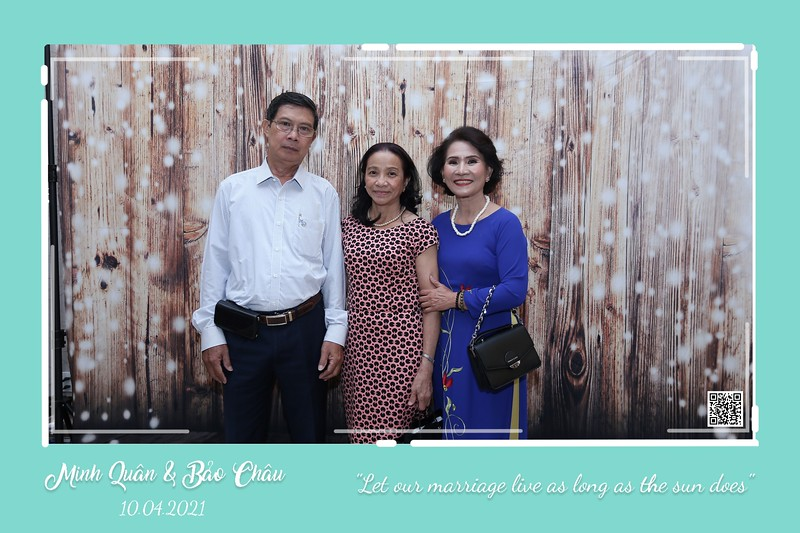QC-wedding-instant-print-photobooth-Chup-hinh-lay-lien-in-anh-lay-ngay-Tiec-cuoi-WefieBox-Photobooth-Vietnam-cho-thue-photo-booth-043.jpg