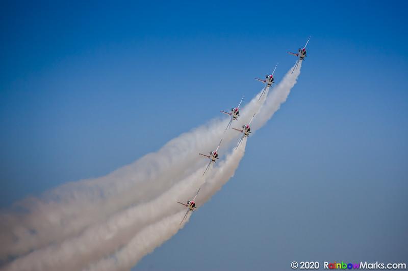 Thunderbirds 1-6 Passing through