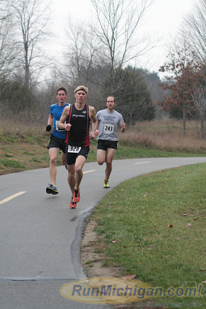 5K at 0.75 mile mark - 2012 Ann Arbor Turkey Trot