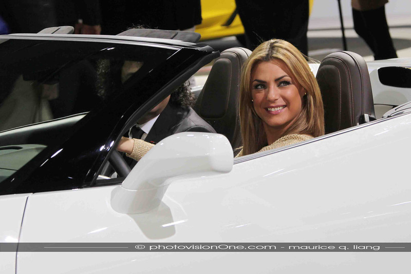 Blondes look good in Corvettes.