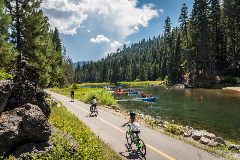 Truckee River Bike Path - River Rafting