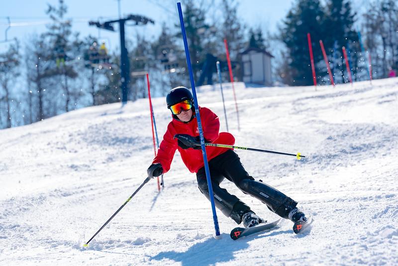 Standard-Race_2-3-18_Snow-Trails-73543.jpg