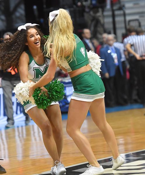 cheerleaders1520.jpg