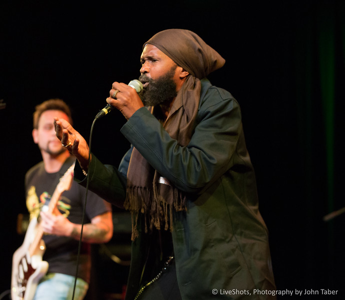 Rocky Dawuni w/ One Love Nation