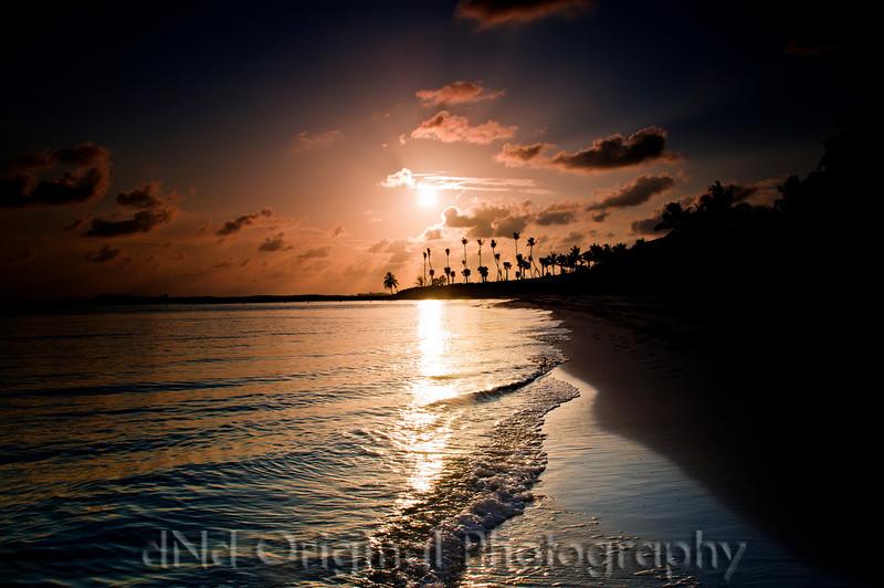 103 Bahamas 2008 - 2nd Sunrise (nik light-dark center).jpg