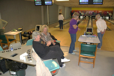Toys For Tots Donation, SCMCL 626, Tea Time Bowlers, Cypres Lanes, Lehighton (10-31-2012)